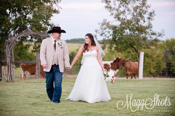 1483045056626 Outside   Long Horns2  wedding venue
