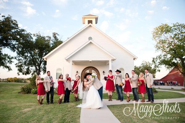 1484871345341 Lynziegaryweddingatrusticgraceestatetexasmaggshots  wedding venue