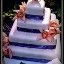 130x130_sq_1255121394541-cakeflowers