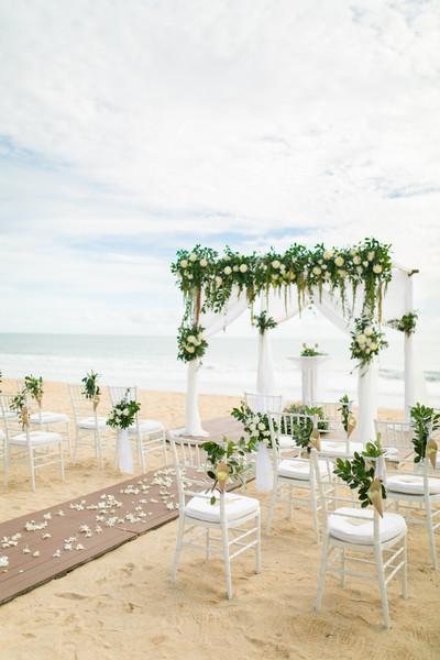 600x600 1513627051067 ceremony on beach set up