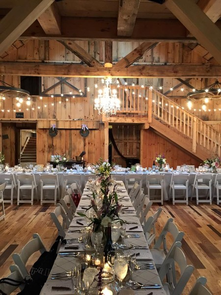 The Grand Barn At The Mohicans Glenmont Oh Wedding Venue