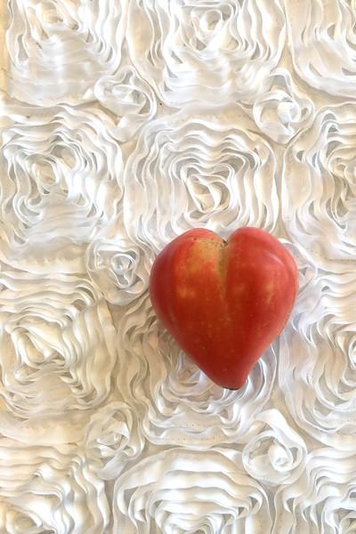 600x600 1496244857118 love tomato4
