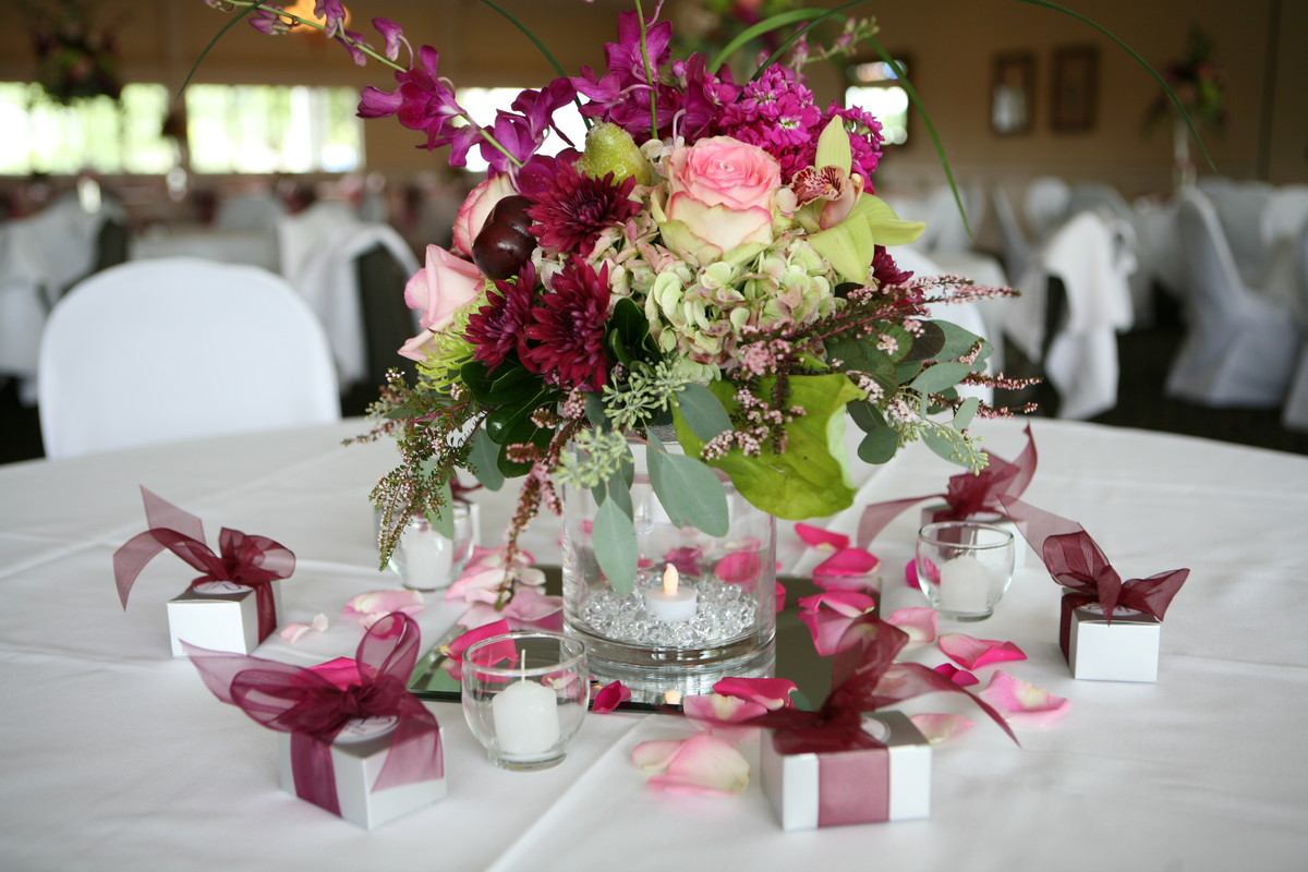 bella florist and gifts flowers waterford mi weddingwire. Black Bedroom Furniture Sets. Home Design Ideas