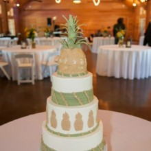 Sablée Wedding Cake Charleston SC WeddingWire - Pineapple Wedding Cake