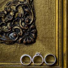 <strong class='info-row'>Andrew Morrell Photography</strong> <div class='info-row description'><html>  <head></head>  <body>    Venue: The Inn at Mount Vernon Farm    <div>        </div>    <div>        </div>   </body> </html></div>