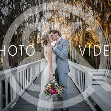 220x220 sq 1506705469 604a39a06e50e013 weddingwirefront
