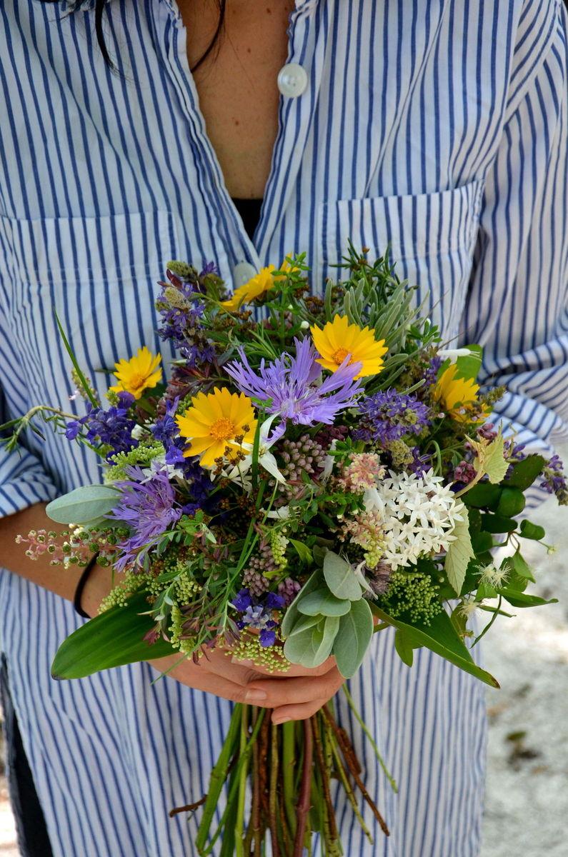 william 39 s wildflowers flowers sarasota fl weddingwire. Black Bedroom Furniture Sets. Home Design Ideas
