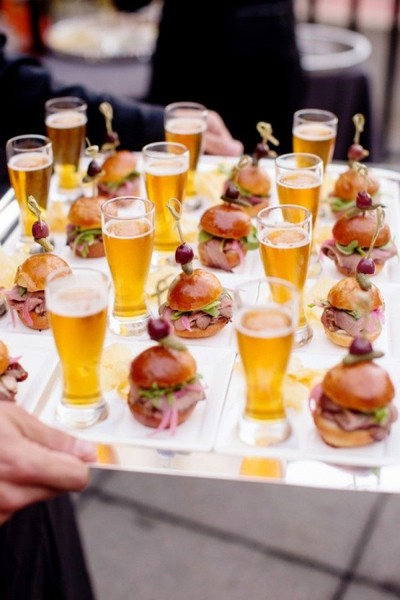600x600 1486921041803 sliders and beer
