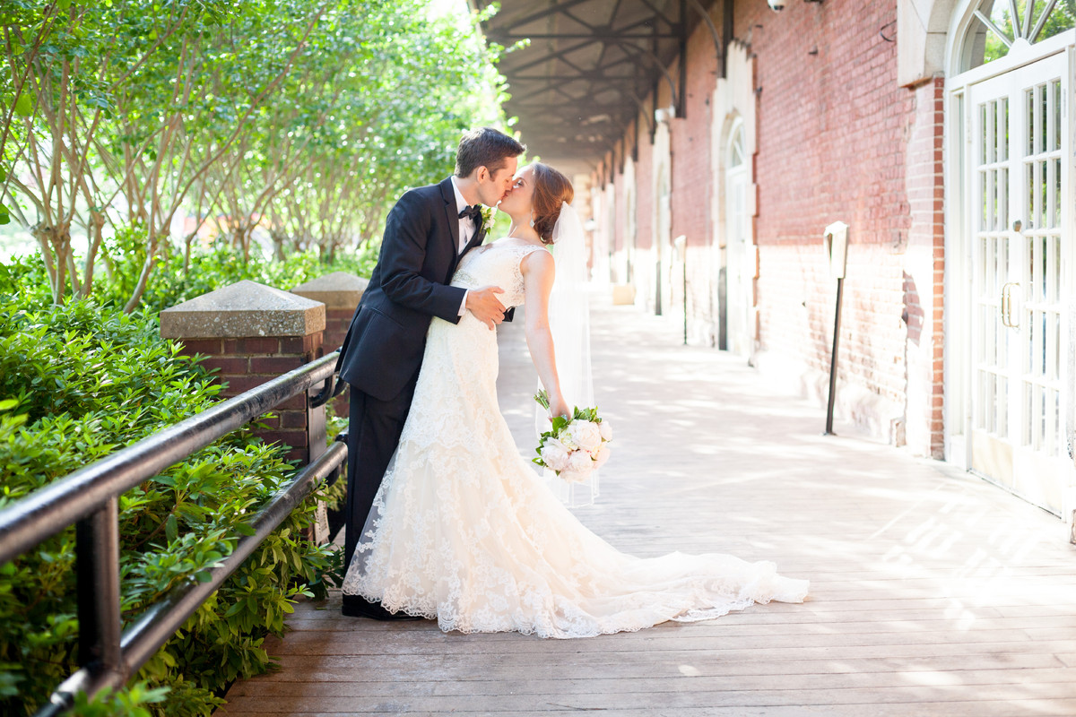 The ga freight depot venue atlanta ga weddingwire for Fitness depot wedding