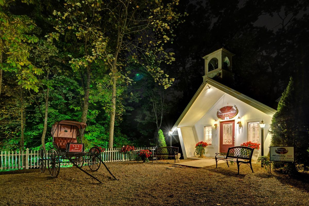 Wedding Chapel At Honeymoon Hills Reviews Gatlinburg Tn