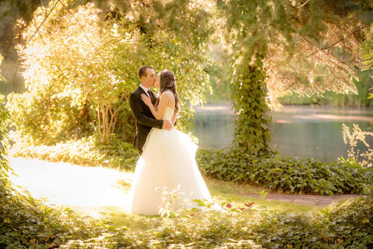Cavens Photography Spotlight Wedding Photographers Near Salem Valentia Productions