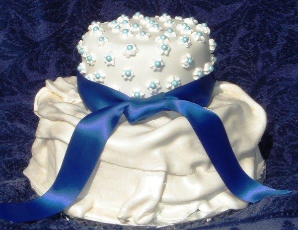 1229378089900 Dormangraduationcakewithbluepearlsandribbon006 Greenville wedding cake