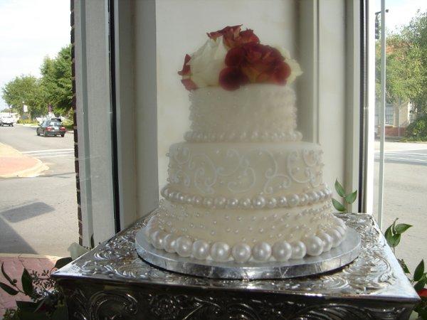 1229378354259 Fondantweddingcakewithhandrolledpearlsandroses015 Greenville wedding cake