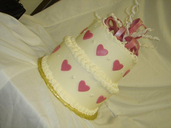 1229378812916 DSC04498 1 Greenville wedding cake