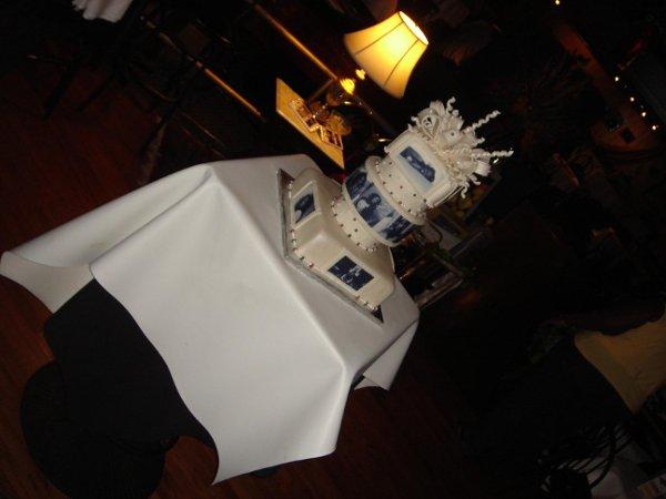 1249953142975 DSC05483 Greenville wedding cake