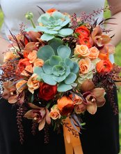 Sophisticated Floral Designs {Weddings + Events} photo