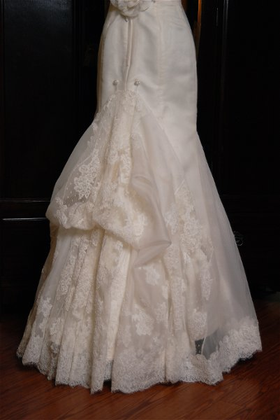 Sew it seams bridal alterations wedding dress attire for Vintage wedding dresses houston