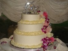 220x220 1221437577918 whitechoc.weddingcake