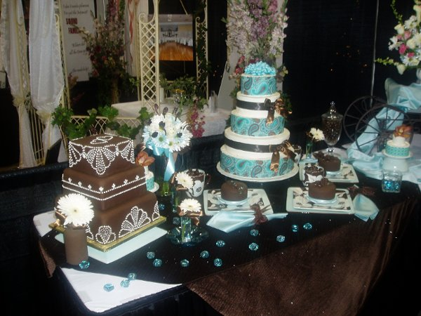 Roth 39 s fresh markets portland wedding cakes for Michaels craft store salem oregon