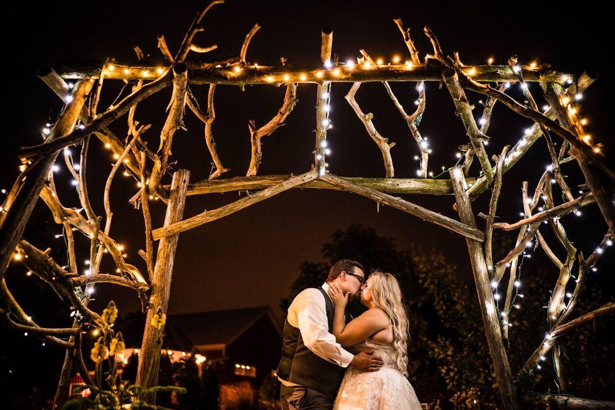 Wausau Wedding Venues Reviews For 1200x1200 1513203720 Bca0b08daee9feda CasiddyKISSING 11 Vendors