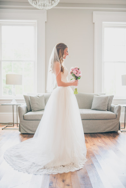 Details nashville nashville tn wedding photography for Wedding dress rental nashville tn