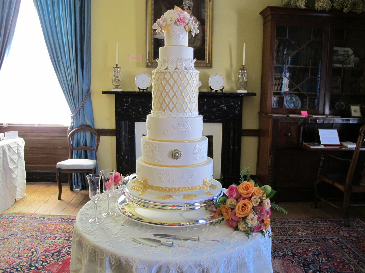 Riverstone Cakes Confections LLC