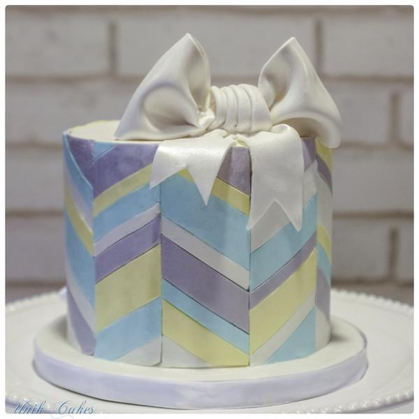 600x600 1414180815515 chevron baby shower cake
