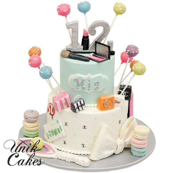 600x600 1420220225518 fashion cake with make up and hand bags for mia