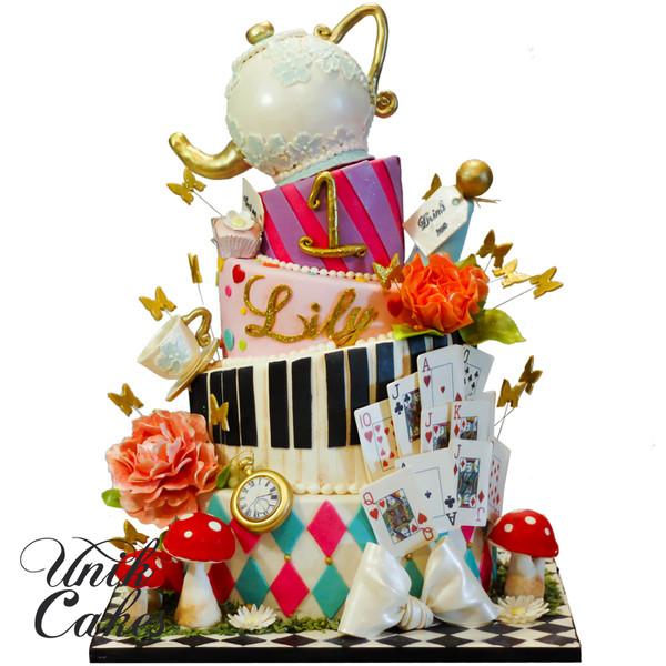 600x600 1420220237217 alice in wonderland themed cake