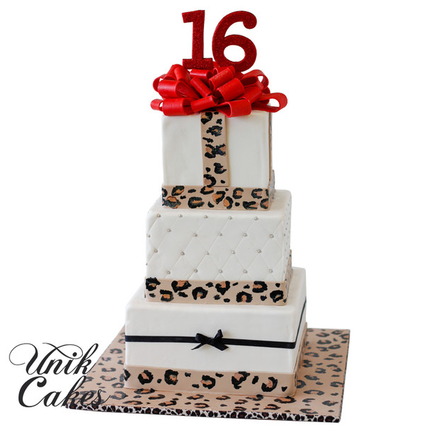 600x600 1432746727215 sweet 16 cheetah print cake