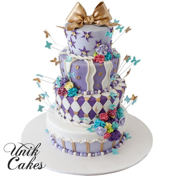 600x600 1443129420558 alice in wonderland themed wedding cake