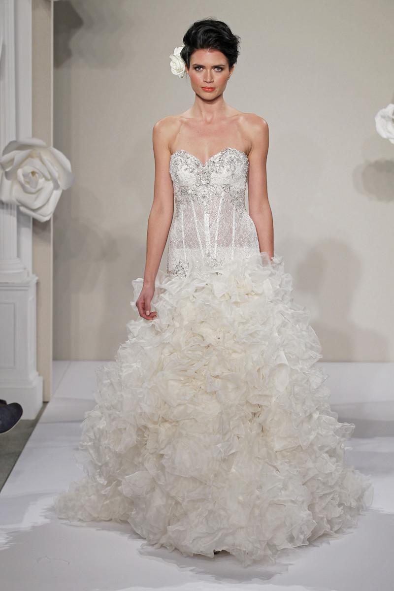 Pnina tornai for kleinfeld wedding dresses photos by for Kleinfeld wedding dress designers