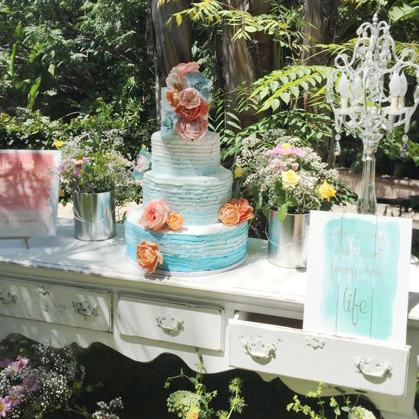 600x600 1466186095469 cake table