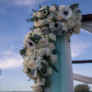 Venue: SeaCliff Country Club  Floral Designer: To Have and To Hold