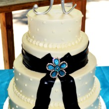 220x220 sq 1421095626710 wedding cake amy hall