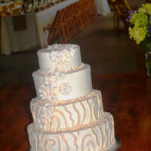 220x220 sq 1421095814403 wedding cake sarahs modern