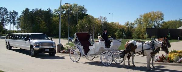 1422487650946 1030116crop1 Alexis wedding transportation