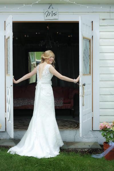 600x600 1422887291174 bridal barn111