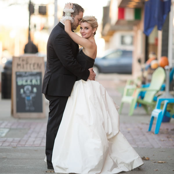 Halloween Themed Michigan Wedding Real Weddings Gallery By WeddingWire 31