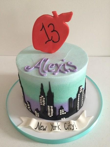 600x600 1450330027802 alexis ny city cake