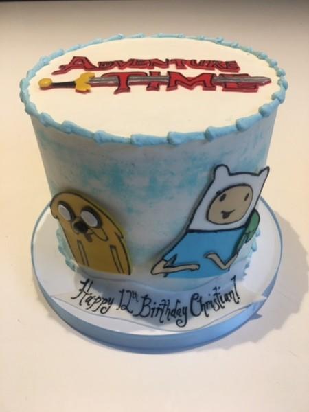 600x600 1464833136967 adventure time cake2