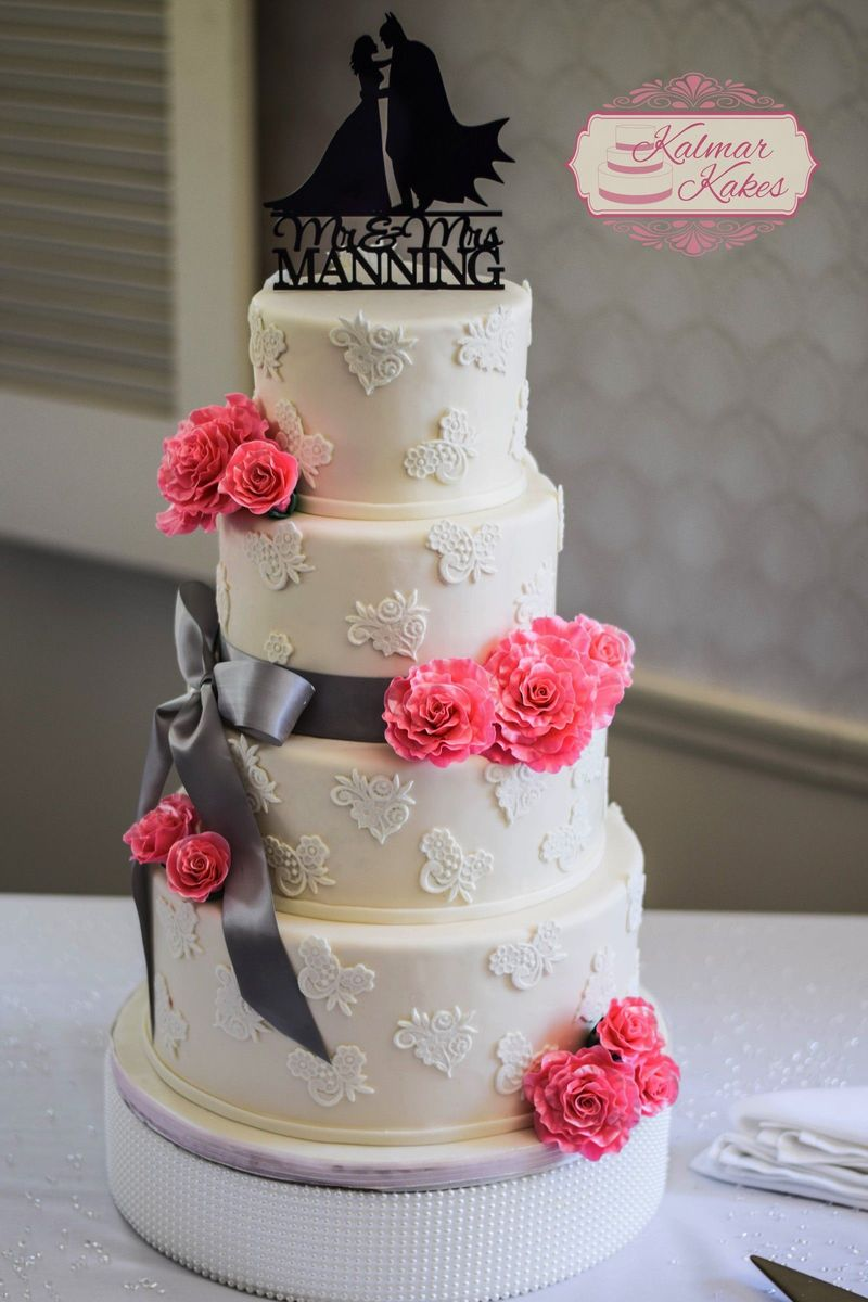 Kalmar Kakes Wedding Cake Canton Mi Weddingwire