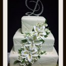 130x130 sq 1312148159079 06.patternwhitegoldigerlillyweddingcake