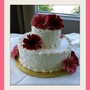 130x130 sq 1312148228470 07.largepinkdaisesflowerweddingcake