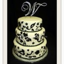 130x130 sq 1312149688564 blackandwhitehandtemplateweddingcake