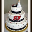 130x130 sq 1312149953611 tampabaybuccaneerweddingcake