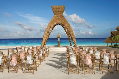 Traveloni Weddings