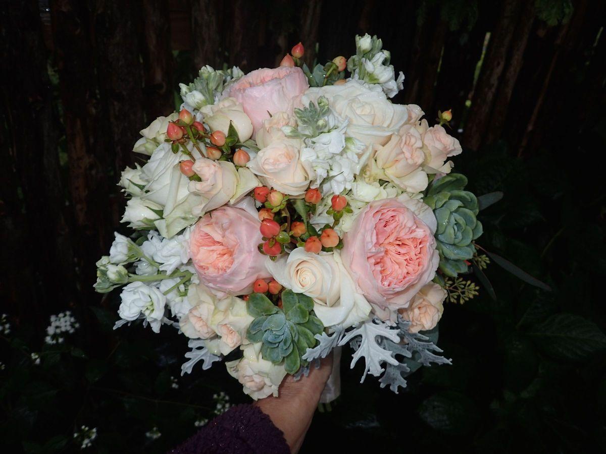 flowers by liz flowers sayville ny weddingwire. Black Bedroom Furniture Sets. Home Design Ideas