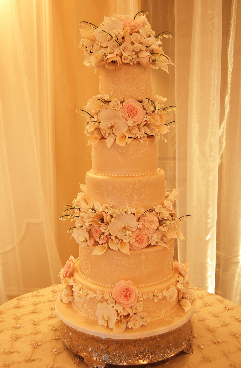 Cake Artist Studio : Cake Art Studio - Wedding Cake - Paoli, PA - WeddingWire