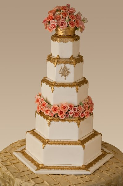 how to make white icing for a wedding cake formal gold white ballroom buttercream city flowers 16067